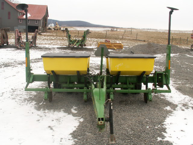 Zeisloft S Farm Equipment Sold John Deere 7200 Corn Planter 4
